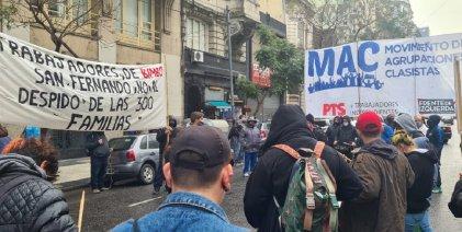 Trabajadores de Bimbo salieron otra vez a la calle contra el cierre de la producción
