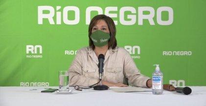Carreras se debate entre el turismo en Río Negro y el toque de queda