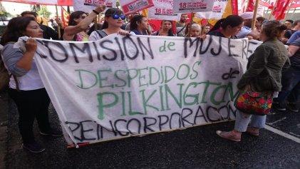 Trabajadores despedidos de Pilkington se movilizaron al Ministerio de Trabajo