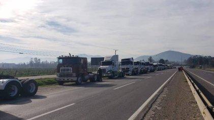 Lock-out patronal en Chile: transportistas paran en apoyo a la agenda represiva de Piñera