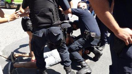 Policía Bonaerense reprimió a familias que reclamaban tierra para vivir