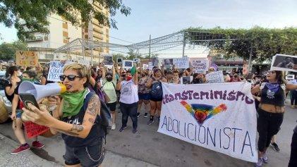 La Pampa: Multitudinaria marcha del 8M