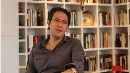 El escritor Juan Gabriel Vásquez ganó el IV Premio de Novela Vargas Llosa