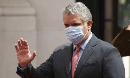 Miserable política de Duque: excluye de la vacuna del covid-19 a venezolanos irregulares en Colombia
