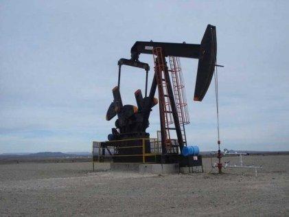 Paro de petroleros y camioneros ante el crimen laboral de un petrolero en Chubut