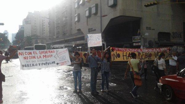 """Caracas: """"Los jóvenes de izquierda tomamos las calles"""""""