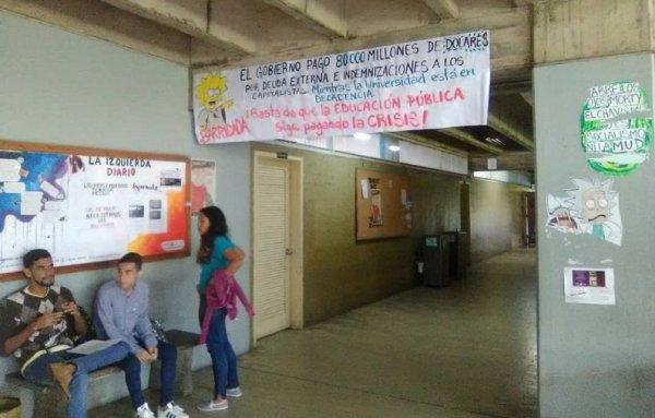 Más de un año sin baños en la Escuela de Sociología, una expresión del deterioro y la crisis en la UCV